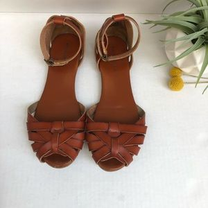 Mossimo Supply Co. Closed Toe Sandals Size 6